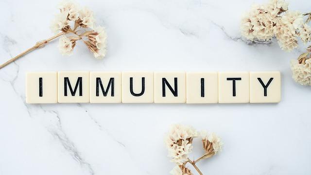 Ученые назвали длительность естественного иммунитета упереболевших коронавирусом